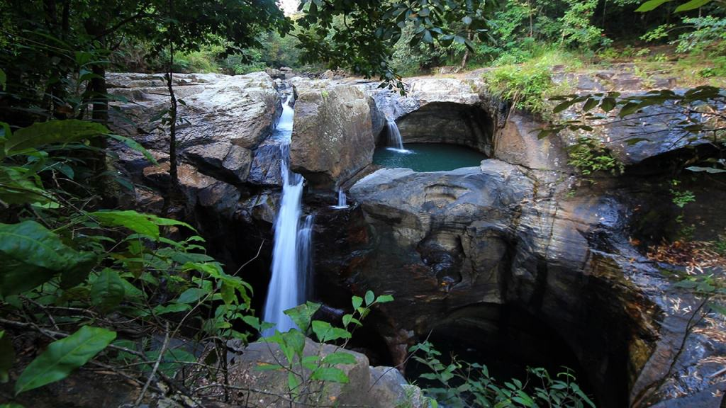 Cunca Wulang or Moon Waterfall