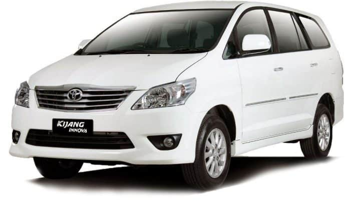 cheap innova rental car in labuan bajo